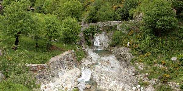 alte Brücke vor Grotta Dangri