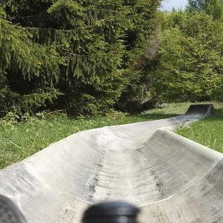 Sommerrodelbahn auf der Sackpfeife im Naturpark Lahn-Dill-Bergland