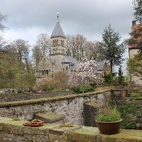 Schloss Brincke mit Blick auf die Kapelle
