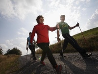 Sportlich beim Nordic Walking