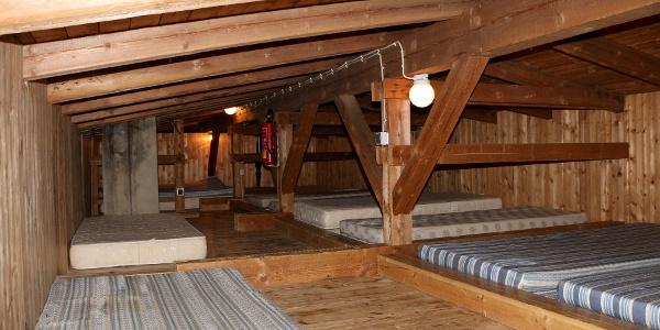 Matratzenlager mit 14 Plätzen im DG