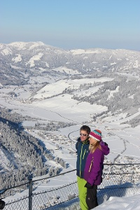 Traumhafte Aussicht auf das tief winterliche Tannheimer Tal © Tourismusverband Tannheimer Tal