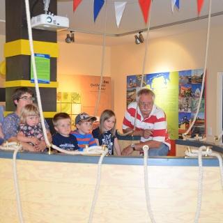 Luftschiff im Indoorparcours