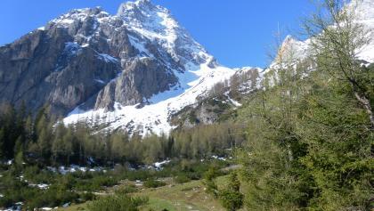 Hahnpfalzboden und Steilstufe vor dem Reißhorn