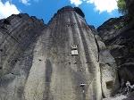 Foto Beim Abstieg vom Pfaffenstein über den bequemen Weg kommt man am Jäckelfels vorbei
