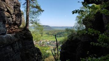 Foto Die Aussicht nach Norden kurz vor dem Nadelöhr (Pfaffendorf und der Lilienstein im Hintergrund)
