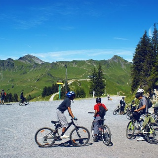 Mountainbikers at the Portes du Soleil region