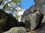 Foto Unweit des Jäckelfelsens befindet sich das Mundloch (Einstieg) der Bellohöhle