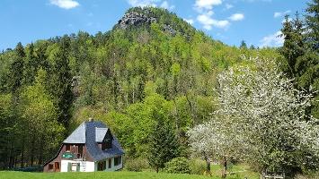 Foto Aussicht auf den Teichstein vom Picknickplatz oberhalb des Nationalpark-Informationshauses