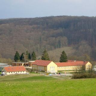 """Außenansicht JH """"Urwald-Life-Camp"""""""