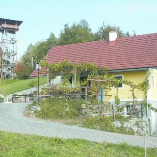 Kreuzberghütte Werdonik mit Kreuzbergwarte