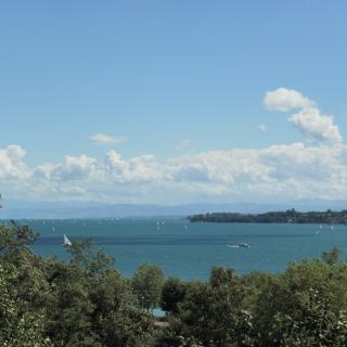 Oberhalb Überlingen mit Blick auf den Überlingersee und zur Mainau hinüber