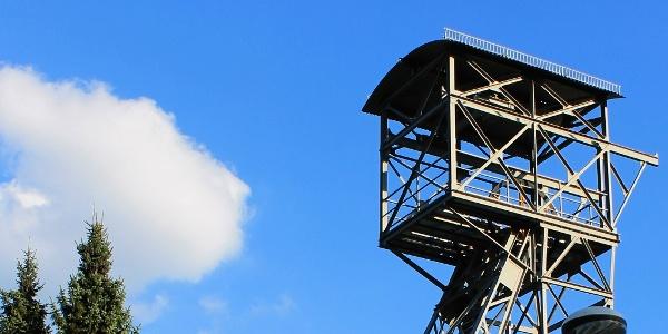 Förderturm am Besucherbergwerk Ramsbeck