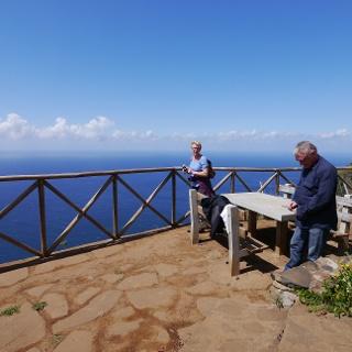 Aussichtspunkt mit Blick auf die Westküste Madeiras