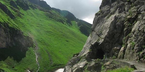 Gampadelstal mit kleinem Tunnel