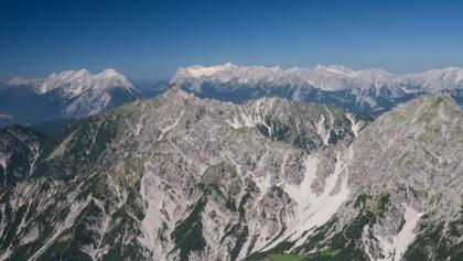 Blick vom Solstein aus (Variante) auf die tags zuvor begangene Kette Reither- bis Erlspitze