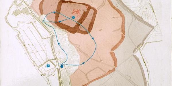 Verschachtelt: Die vielen Wälle und Gräben geben Hinweise auf mehrere Bauphasen der Wittekindsburg