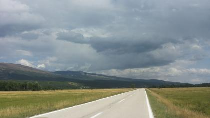 Road to Livno