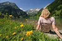 Der Vilsalpsee lädt zum Entspannen ein <nobr>(Quelle: Tourismusverband Tannheimer Tal)</nobr>