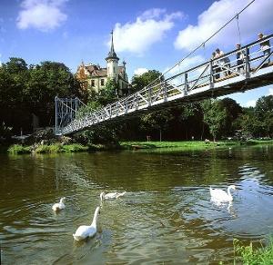 Foto Hängebrücke von Schloss Gattersburg.