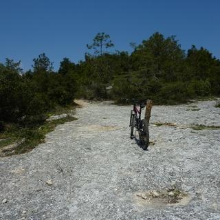 Felsiger Weg über den Kletterfelsen