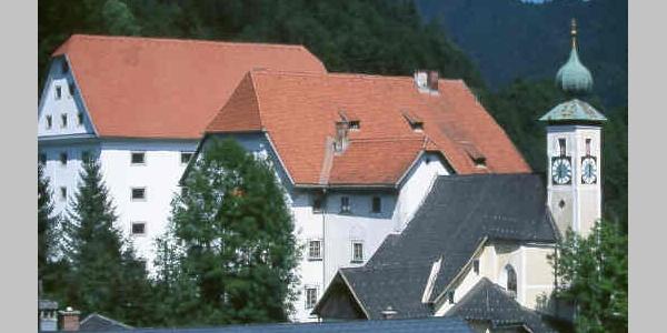 Ausgangspunkt Großreifling Alter und Neuer Kasten, Nikolauskirche