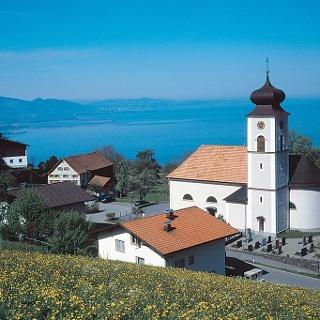 Eichenberg mit Blick über den Bodensee