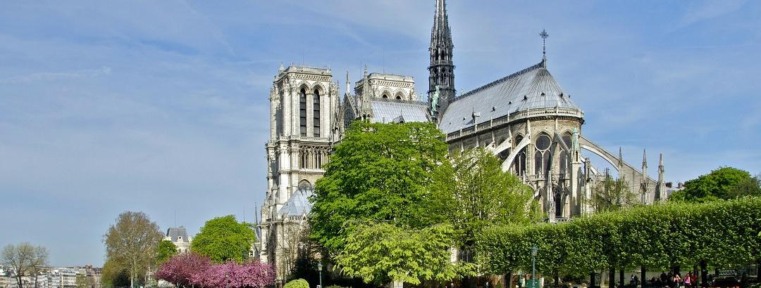 Notre-Dame de Paris avec la Seine