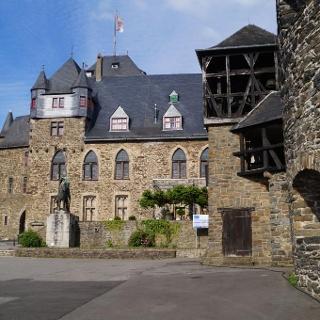 Bergischer Weg Etappe Gräfrath-Solingen, Burg an der Wupper