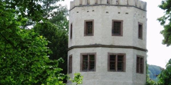 Droste-Turm im Schlosspark Wehrden