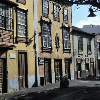 Schöne Häuserzeile in La Laguna