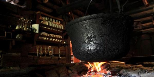 Offene Feuerstelle auf der Karseggalm