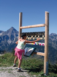 Glockenspiel am Erlebnisweg © Tourismusverband Tannheimer Tal