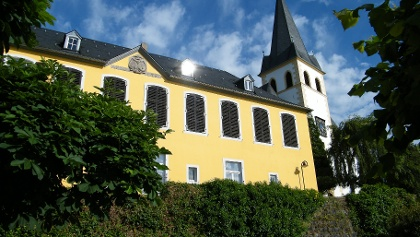 """Der Südtrakt des Herresdorfschsen Hauses, auch """"Burg Unkel"""" genannt, stammt aus dem Jahr 1673"""