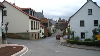 Monzingen, Untertor vom Denkmalplatz her gesehen
