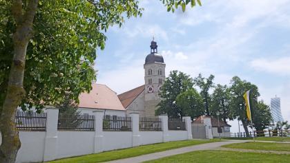 Erholungsbereich um die Kirche