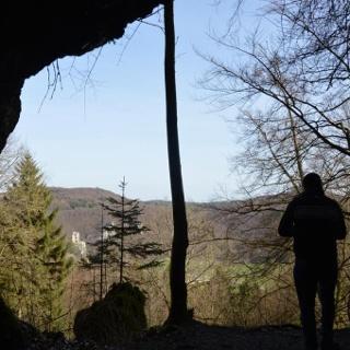 Abstecher vom Trail mit Blick aus den Felsen zur Neideck
