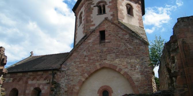 Die evangelische Klosterkirche Seebach ist Hauptanziehungspunkt des Bad Dürkheimer Stadtteils Seebach.