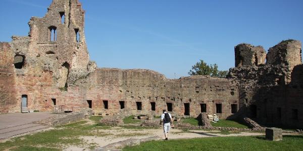 Innenhof der Burg Neuleiningen