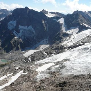 Blick auf den Gletscher und den Gipfel vom Hocharn