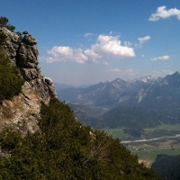 Weg zum Gipfel mit Blick auf das Lechtal