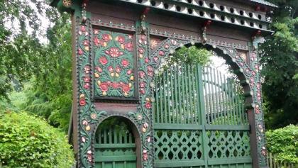 ungarisches Tor am Waldemar Bonsel Haus