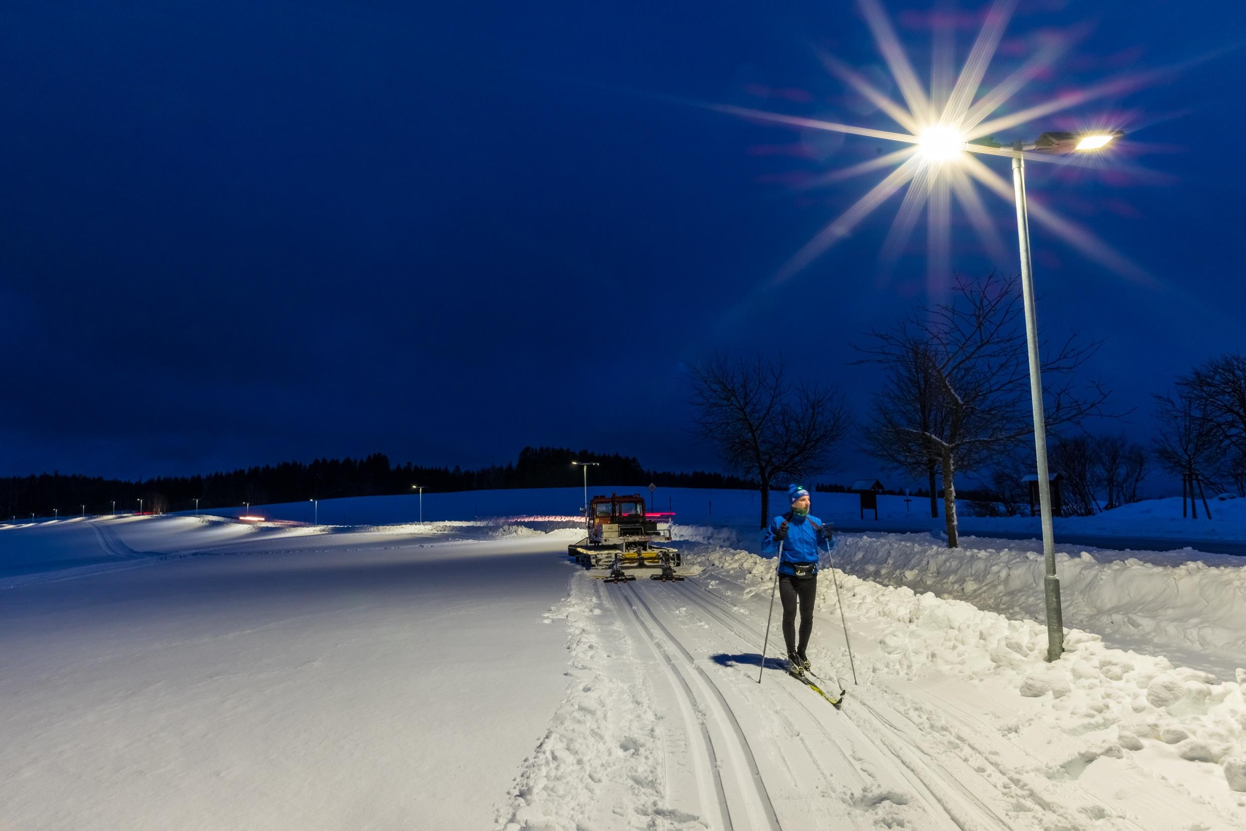Langläufer bei Nacht