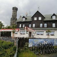 "Das Restaurant ""Pod Rozhlednou"" (Hoher Schneeberg)."