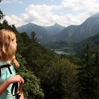 Ausblick vom Kalvarienberg Richtung Alpsee und Schloss Neuschwanstein