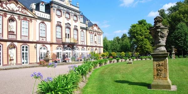 Schloss und Restaurant - Molsdorf