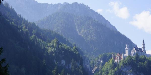Blick von der Reith Alpe auf das Schloss Neuschwanstein