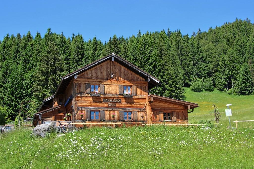 Gundhütte im Sommer - @ Autor: Julian Knacker - © Quelle: Pfronten Tourismus