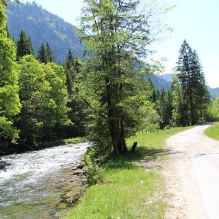 Wandern und Radfahren im Vilstal