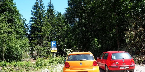Parkplatz vor Werkseinfahrt 510m